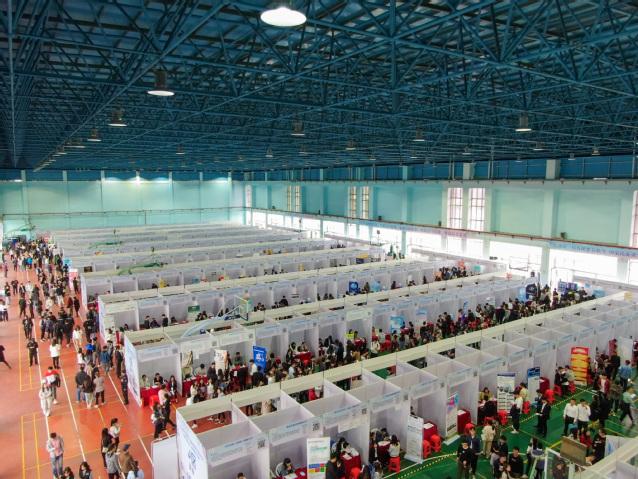 我校顺利举行广东省2020届普通高校毕业生系列供需见面活动(珠海地区专场)